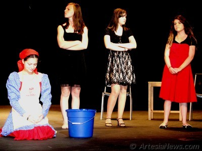 Drama club to perform