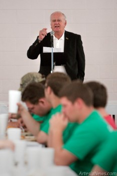 Artesia Mayor Philip S. Burch talks to the students during a lunch finale.