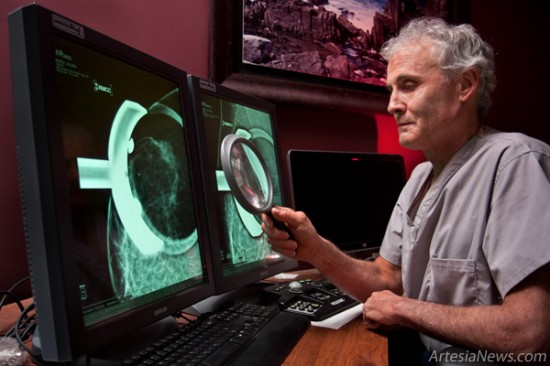 Radiologist Jon Spar, M.D., works with Artesia General Hospital's digital radiology equipment. (Tyler Green photo)