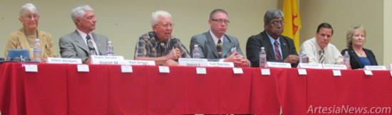 From left, Ellen E. Wedum and Ron Griggs, running for State Senate District 34, Carl Barnes, running for County Commission District 3, Sgt. Scott London and Sheriff Ernest Mendoza, running for Eddy County Sheriff; and Jim Grantner and Susan Crockett, running for County Commission District 5, attend a candidate forum Monday in Carlsbad. Rob Larson – Daily Press