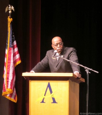 Patrick Jackson, keynote speaker, discusses Dr. Martin Luther King Jr.s life Monday during the 12th Annual Dr. Martin Luther King Jr. Birthday Observance at the Ocotillo Performing Arts Center. Originally from Montgomery, Ala., Jackson and his family were first-hand witnesses to Kings entrance into the Civil Rights Movement.  Rob Larson  Daily Press