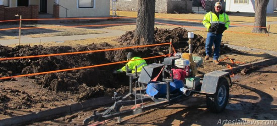 "An Artesia Water Department crew works on a water line break this morning on Richardson Avenue near the Artesia Historical Museum and Arts Center. According to Cammie Agour, a City Warehouse employee, the Water Department had a busy day today thanks to another downed water line on Centre Avenue between First and Second streets. Agour said the leaks were due to ""aged piping."" Rob Larson – Daily Press"