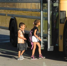 Back to School Central - Bus -Montez