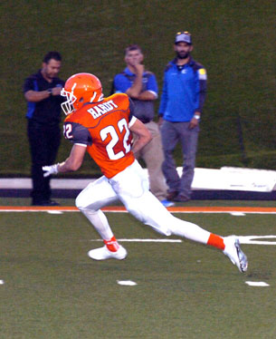 Chaney Hardt heads for the end zone. (Brienne Green - Daily Press)