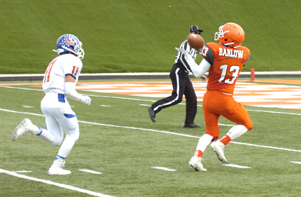 David Barlow makes an over-the-shoulder grab en route to a 38-yard touchdown. (Brienne Green - Daily Press)
